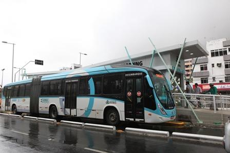 Ônibus ganham 52% de velocidade entre os terminais Antônio Bezerra e Papicu