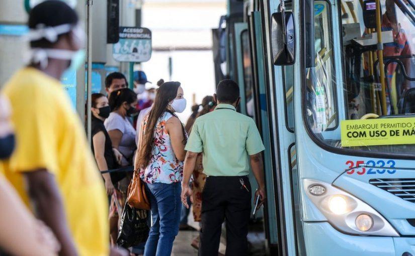 Prefeitura reforça frota com 50 ônibus extra para Enem